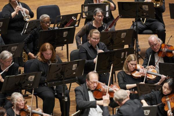 The Cleveland Women's OrchestraJohn Thomas Dodson, ConductorJinjoo Choo, ViolinPhoto by Roger Mastroianni